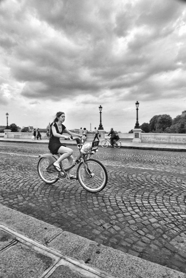 andando en bici París Italo Arriaza www.photographer.cl